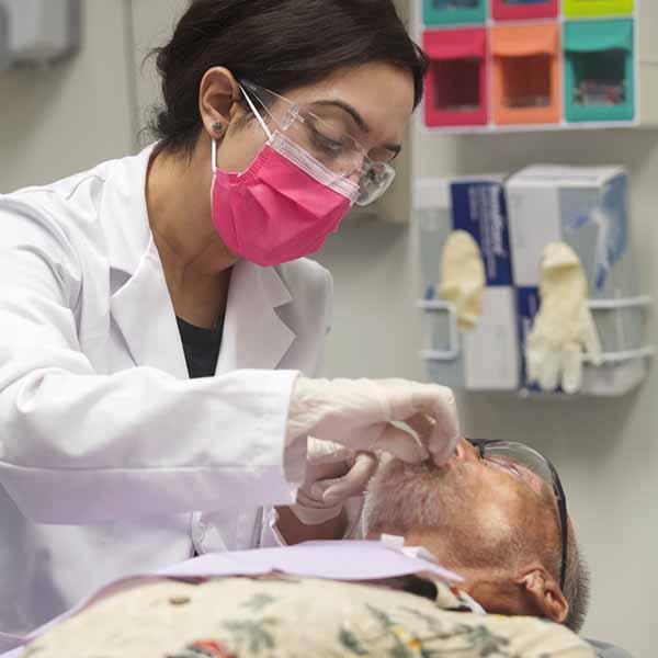 Square-_0003_Get Help_Dentist