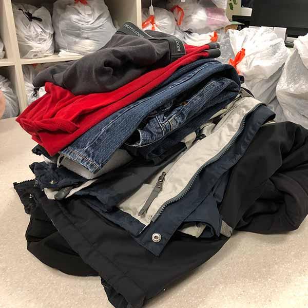 Square-_0014_Clothe_laundry